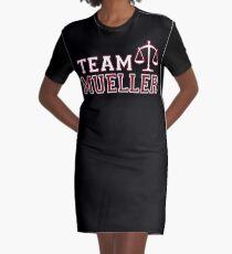 Team Müller - Gerechtigkeitswaagen T-Shirt Kleid