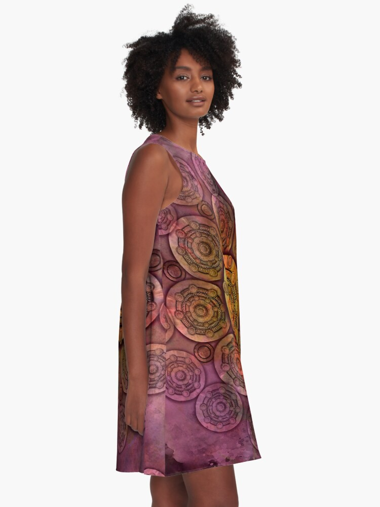 "Vista alternativa de Vestido acampanado ""Purple Mulberry violet shades & Gold Metal Mandala"""