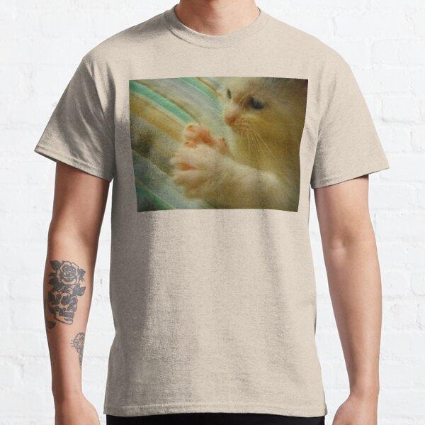 Itty Bitty Kitten Found Her Feets 1 Classic T-Shirt