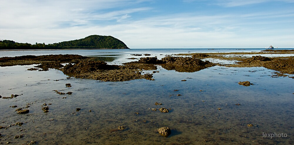 Low tide  by lexphoto