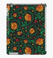 Khokhloma. Traditional ethnic ornamen iPad Case/Skin
