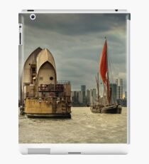 Icons of the Thames London iPad Case/Skin