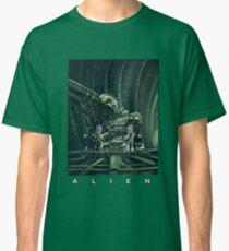 Alien Shirt Classic T-Shirt
