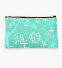 Pretty d&d for babes everywhere-Mint Studio Pouch