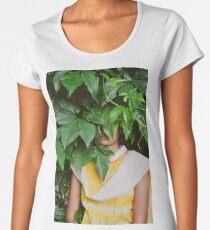 hiding place Women's Premium T-Shirt