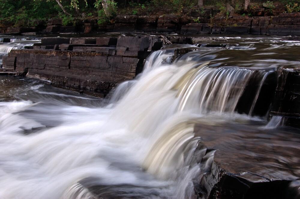 H2O Flow by Ian Benninghaus