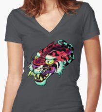 ChAiNeD Women's Fitted V-Neck T-Shirt