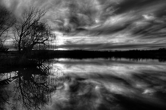 Glory - The Reflective Face. by Steve Chapple