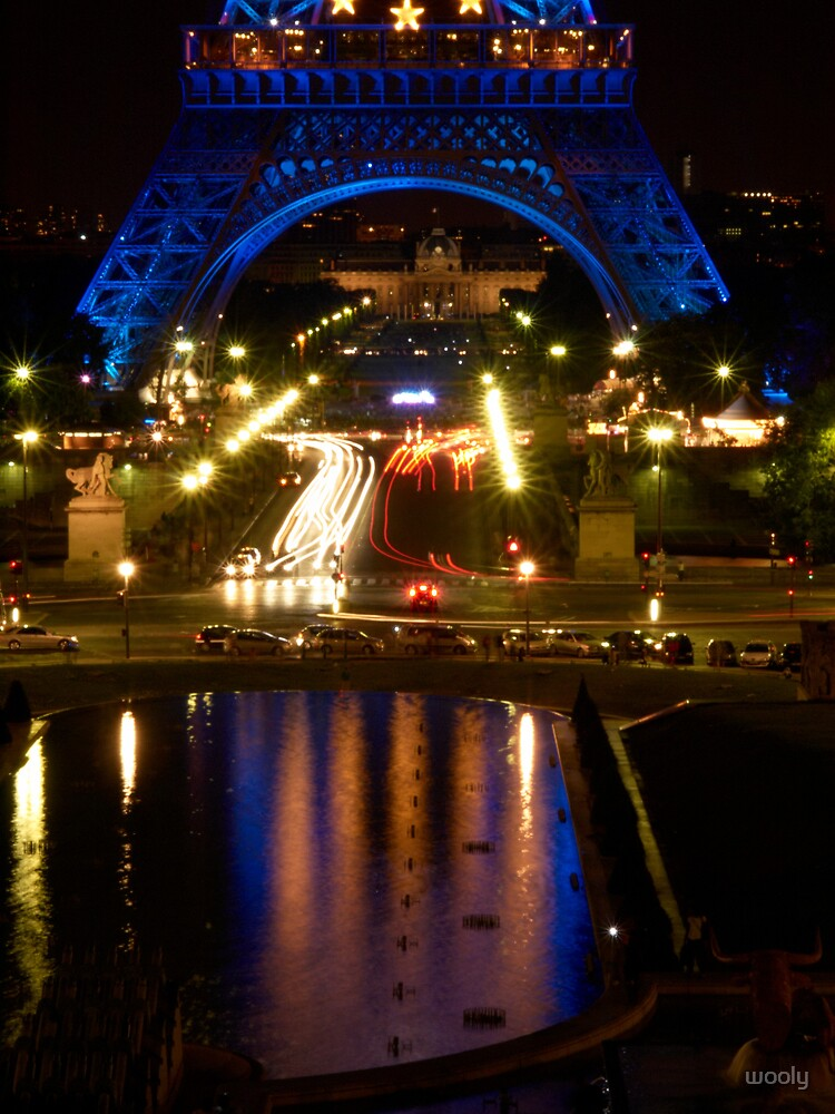 Paris by Night by wooly