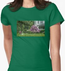 Artist at the Presby Memorial Iris Gardens, Upper Montclair, NJ, USA (1927 - 2017: 90 year anniversary) T-Shirt