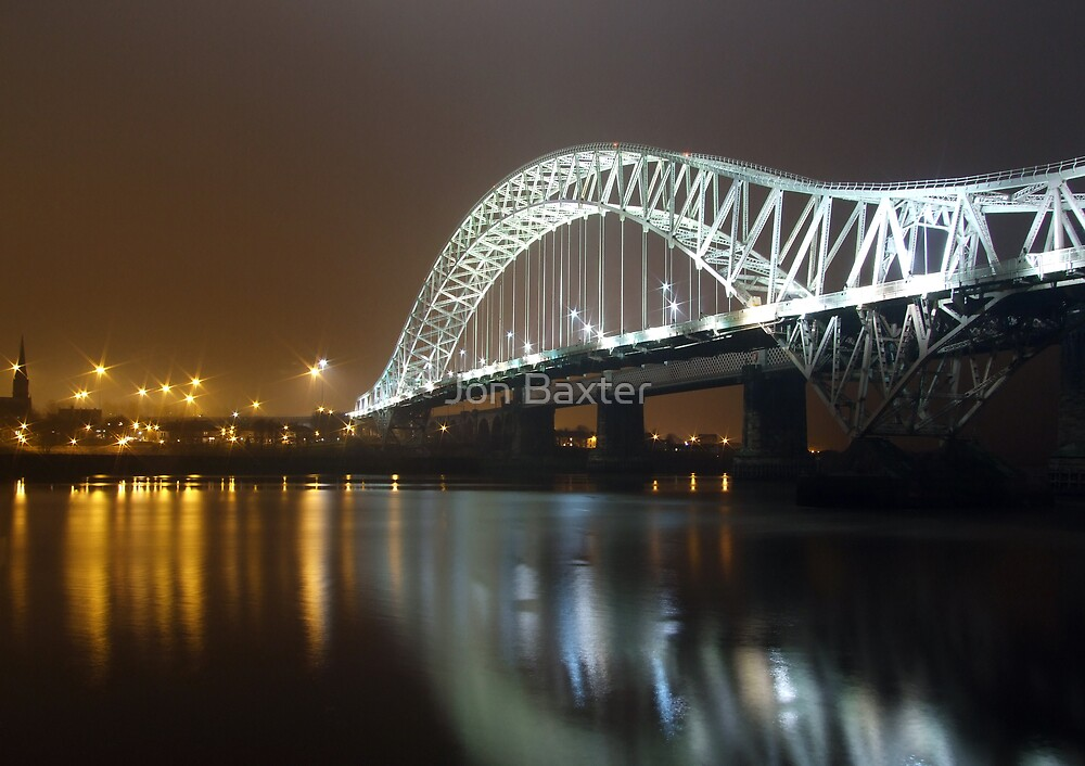 The silver jubilee bridge . by Jon Baxter