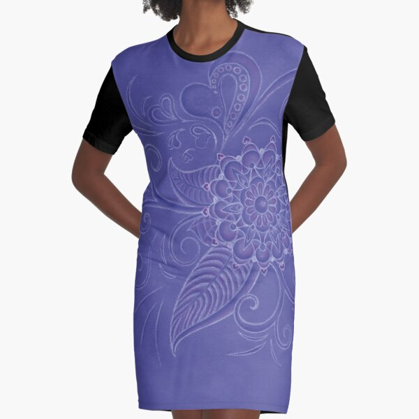 Silence in curves Graphic T-Shirt Dress