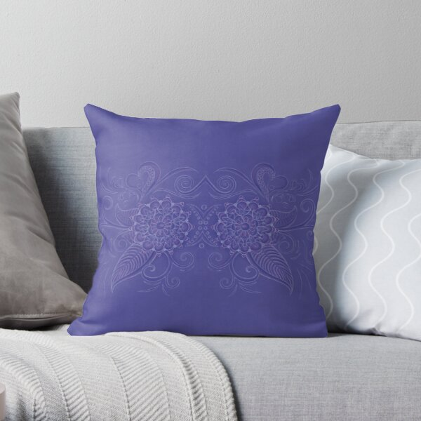 Silence in curves double Throw Pillow