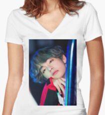 Kim Taehyung Shirt mit V-Ausschnitt