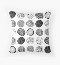 random circles pattern Throw Pillow