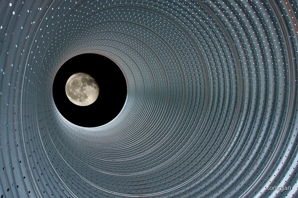 Full Moon by tomryan