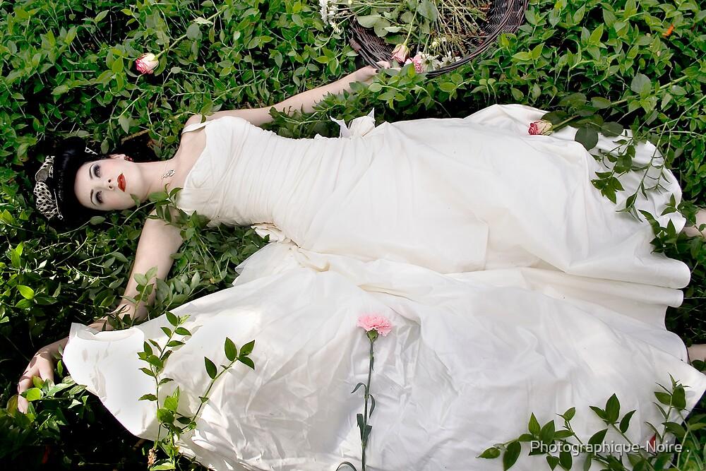 Beautiful Dead Girls lV by Photographique-Noire .