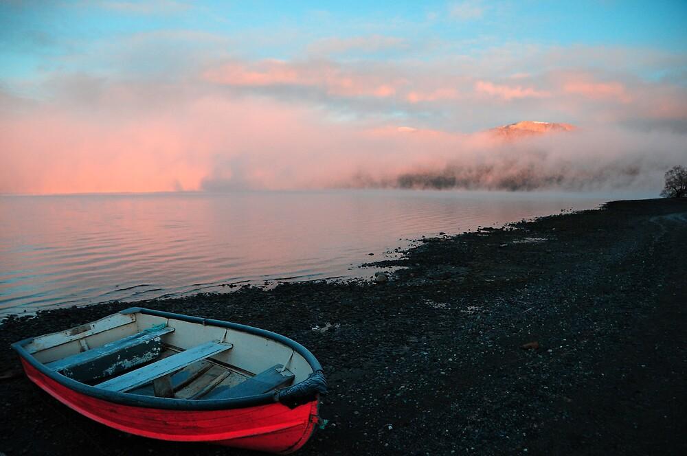 Lake Te Anau at Sunrise by chriso