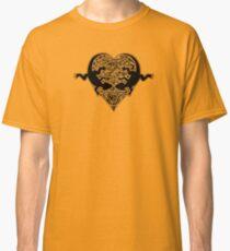 black lizard heart  Classic T-Shirt