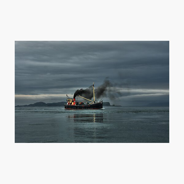 VIC32 Steaming up the Sound of Luing Photographic Print