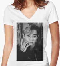 CHANYEOL Women's Fitted V-Neck T-Shirt