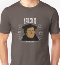 Camiseta ajustada Martin Luther 500 años de reforma | Dado en el clavo