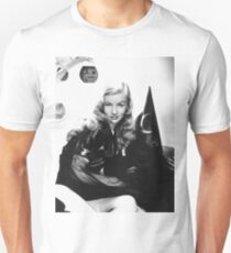 Blond pretty girl pose with witch hat, Halloween T-Shirt