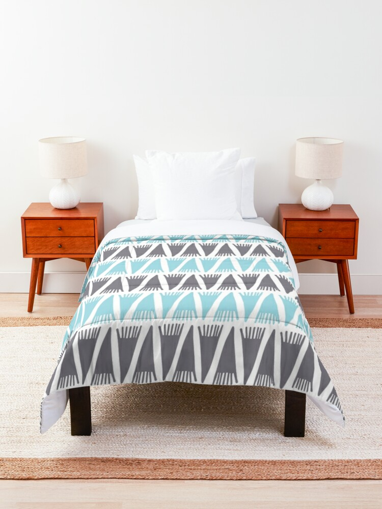 Alternate view of Teepee Island Paradise  Comforter