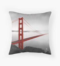 Golden Gate Bridge (Vectorillustration) Throw Pillow