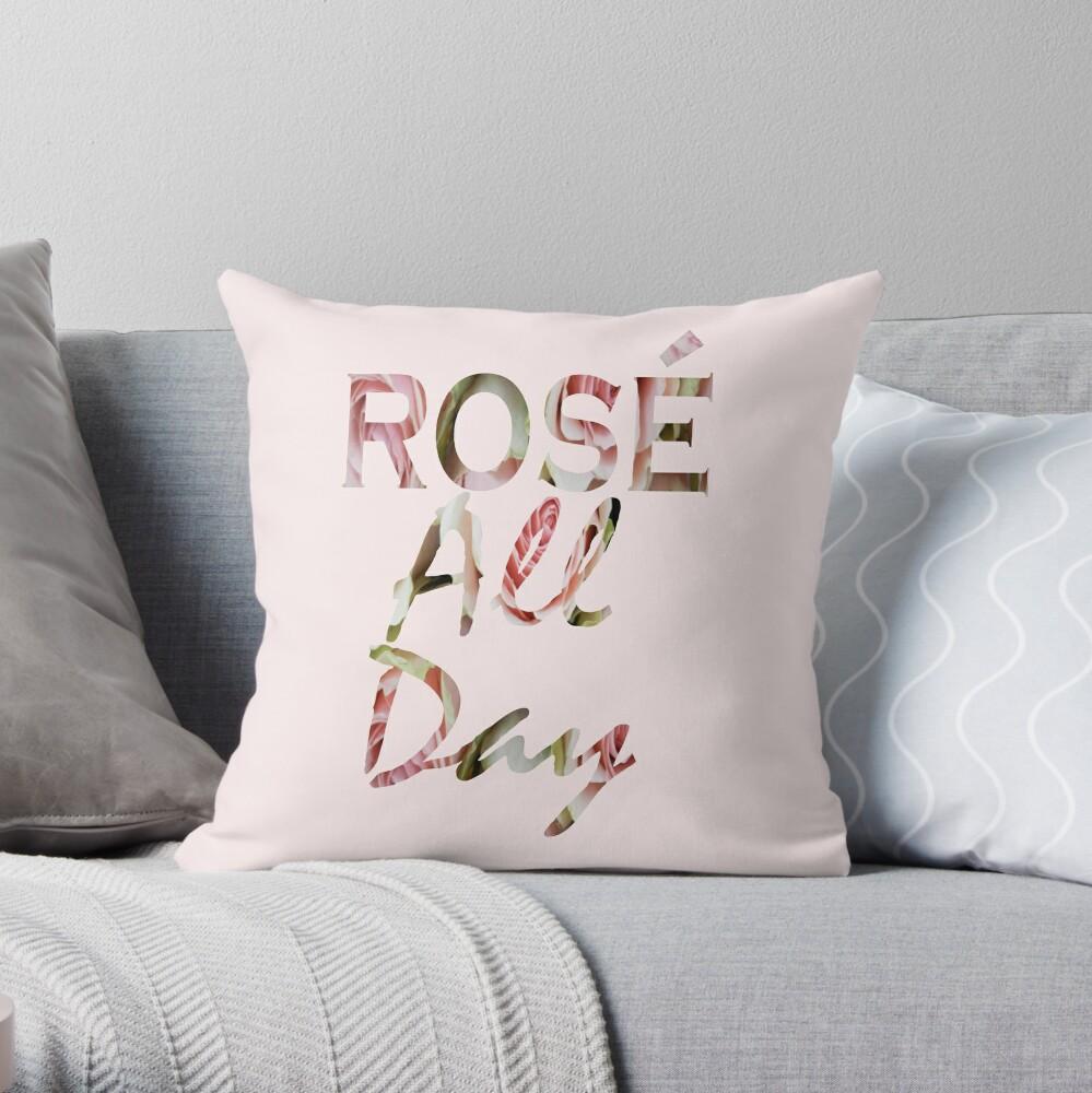 Rosafarbene Blumenweine Paris-Liebhaber-Typografie stieg den ganzen Tag Dekokissen