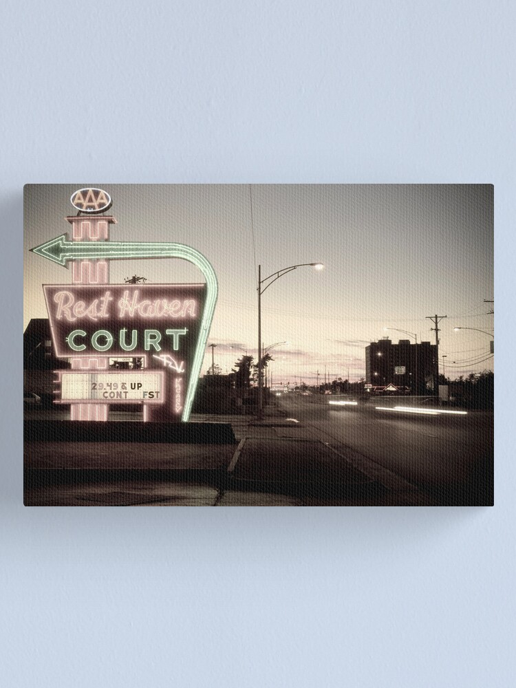 Alternate view of Rest Haven Court Motel. Missouri. (Alan Copson © 2007) Canvas Print