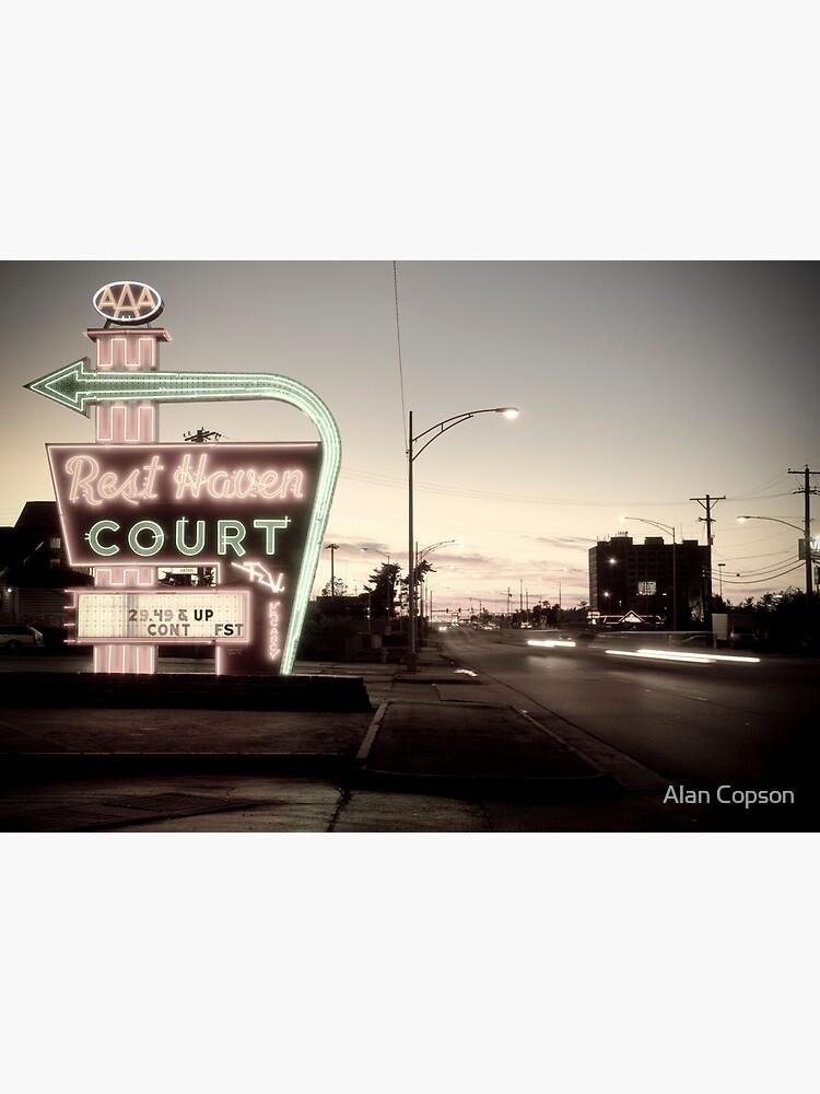 Rest Haven Court Motel. Missouri. (Alan Copson © 2007) by AlanCopson