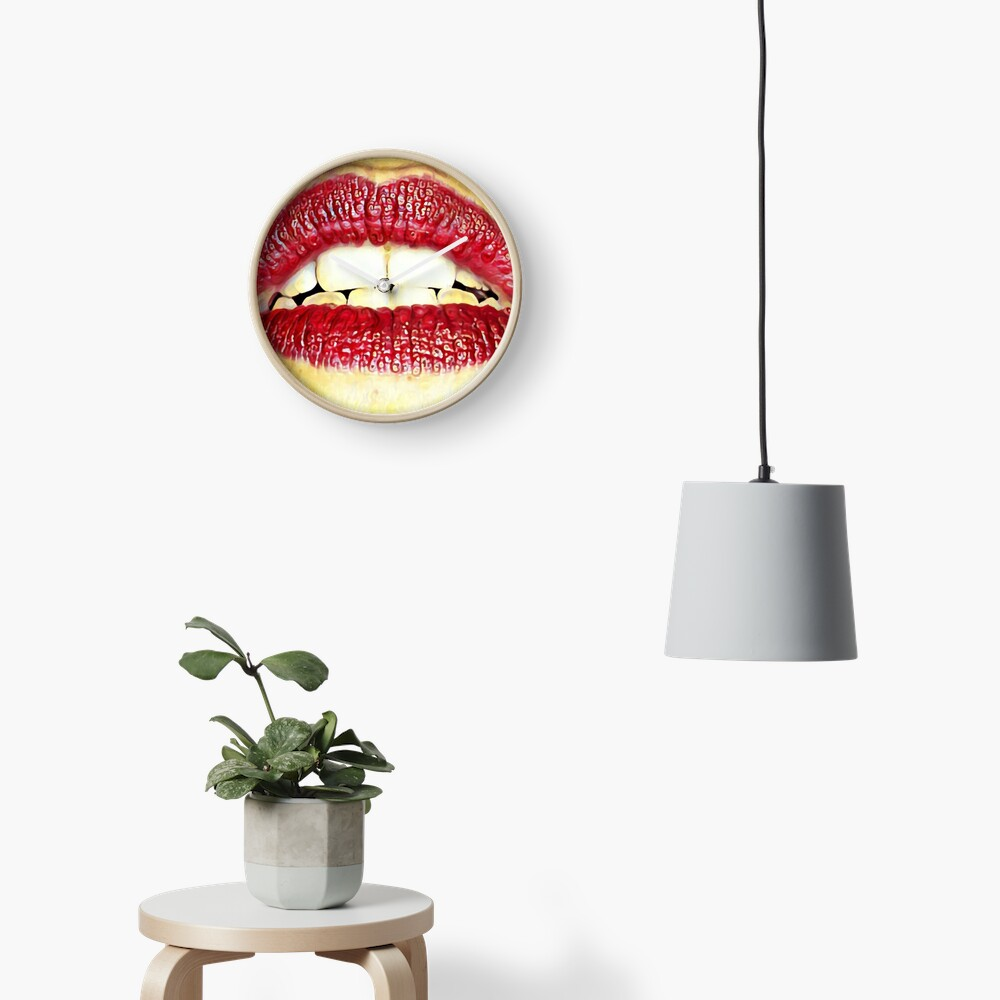 Red lips Clock
