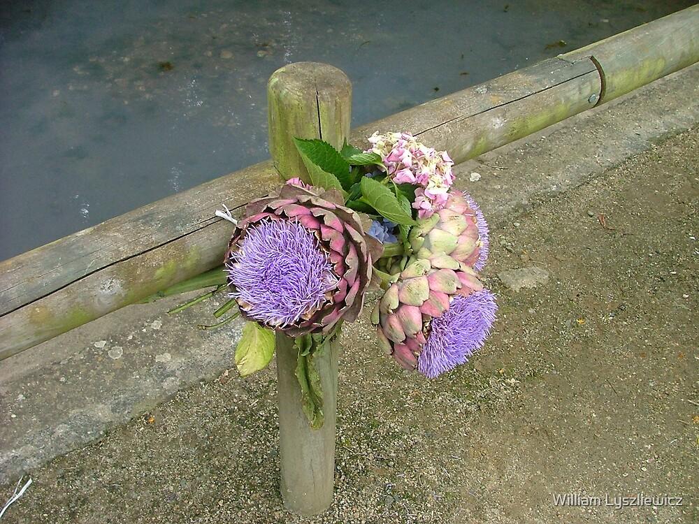 artichaud fleuri by william lyszliewicz