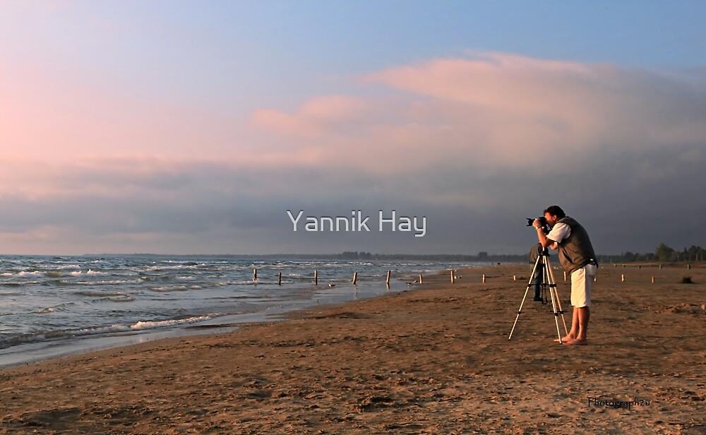 Sauble Beach, Photographers' delight by Yannik Hay