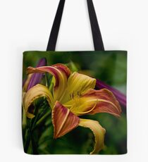 """""""Cobourg Fright Wig"""" Daylily Tote Bag"""