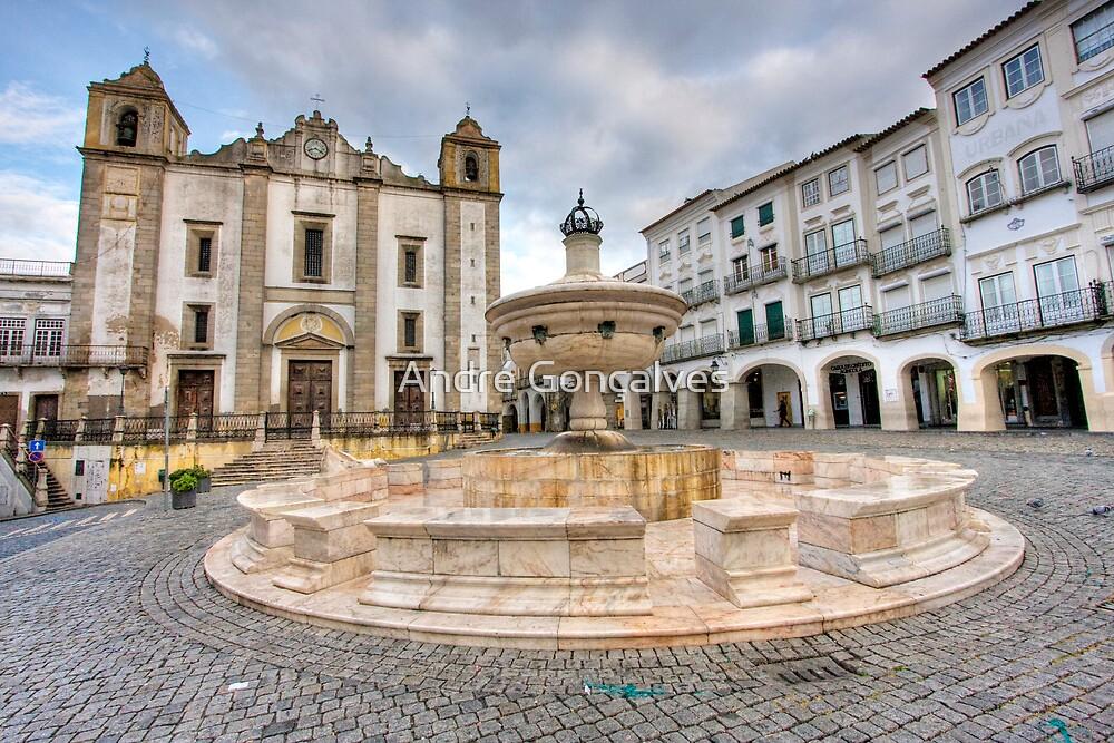 Praça do Giraldo by André Gonçalves
