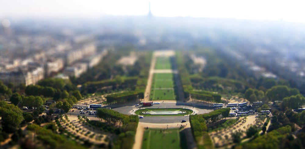 Paris in minature by hazy