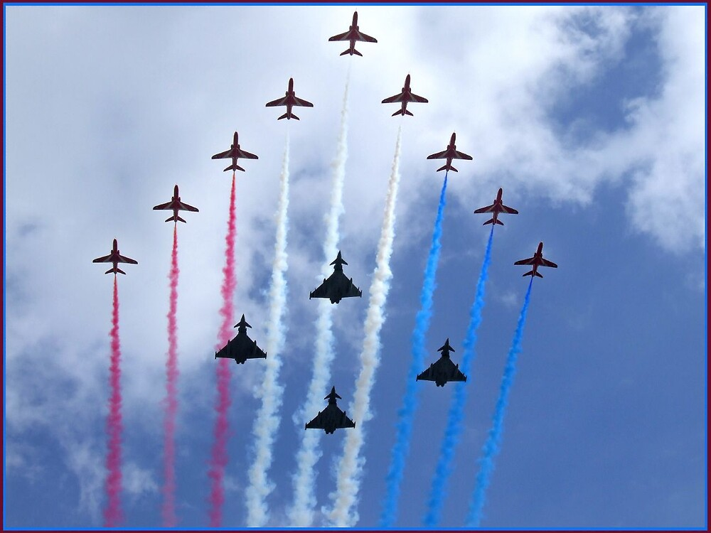 The Red Arrows Flypast by Amy Lloyd