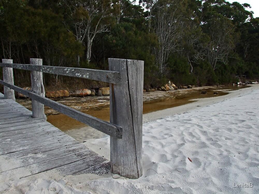 shifting sand by LenitaB