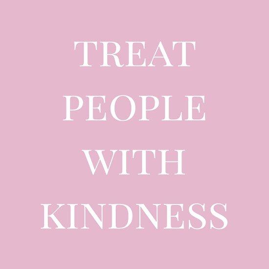 Behandle Menschen mit Freundlichkeit (pink) von houseofherschel