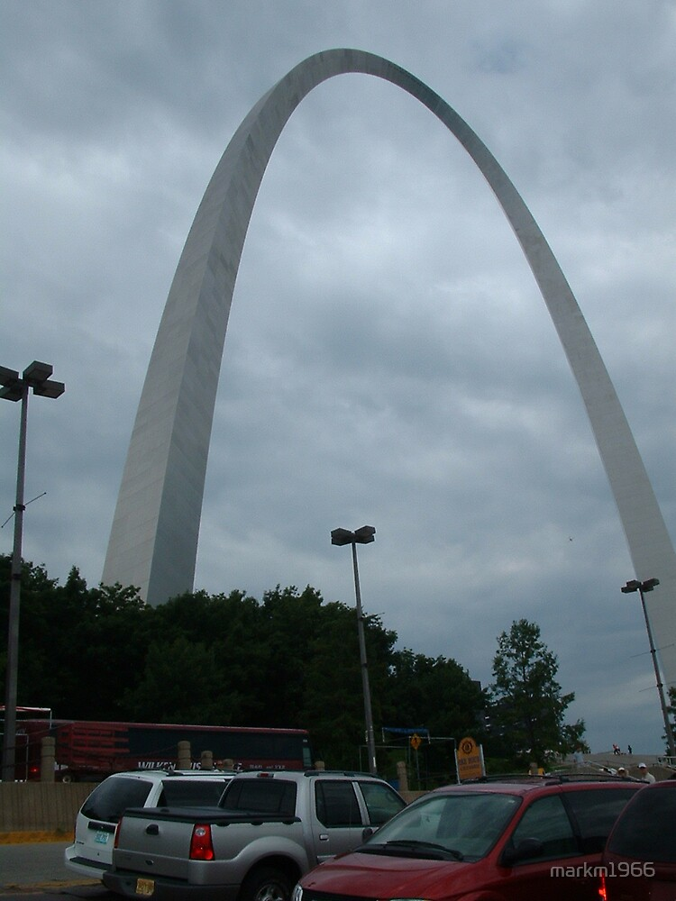 The Gateway Arch from the ground by markm1966