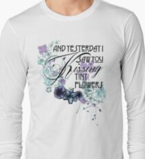 TINY FLOWERS - vintage flowers T-Shirt