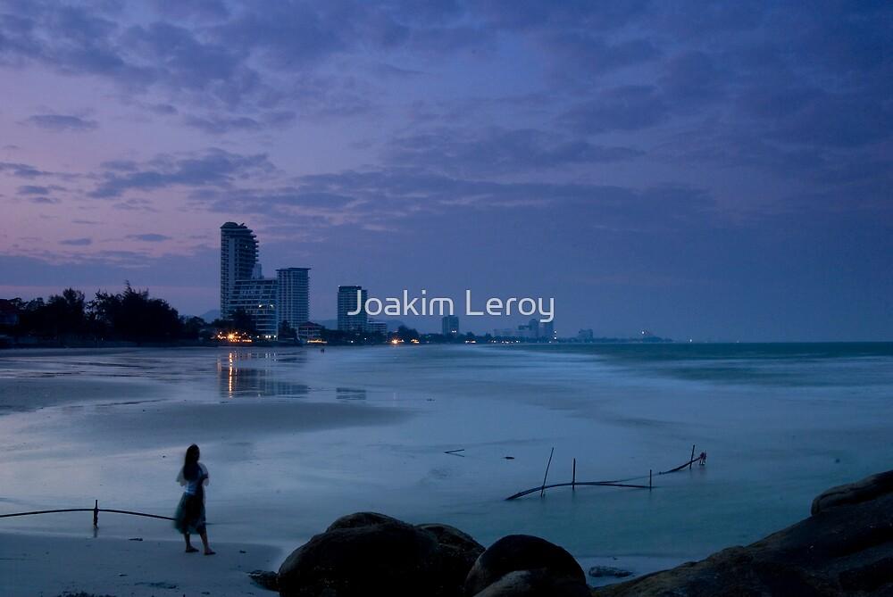 Twilight in Hua Hin by Joakim Leroy