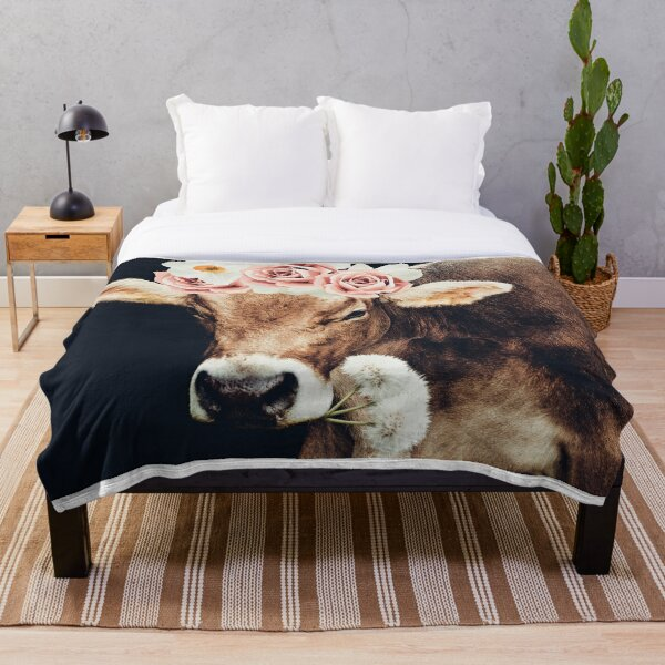 Glamour cow Throw Blanket