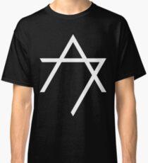 Aggettivo Sette - Logo (bianco) Classic T-Shirt