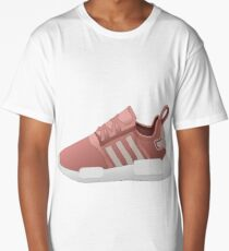 Shoe tennis. Long T-Shirt