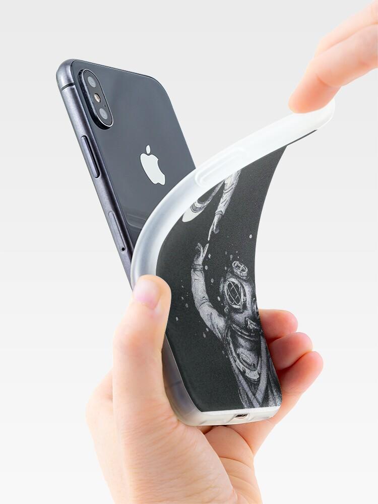 Alternative Ansicht von Astronaut und Taucher iPhone-Hüllen & Cover