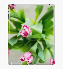 Pink and white Easter Tulips iPad Case/Skin