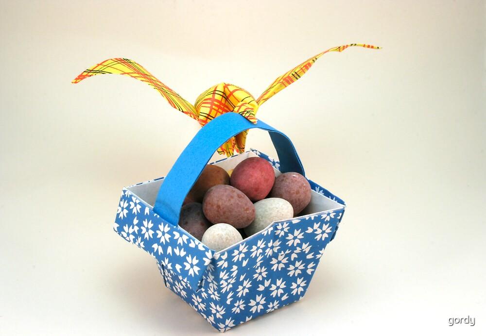Origami bird and basket by gordy